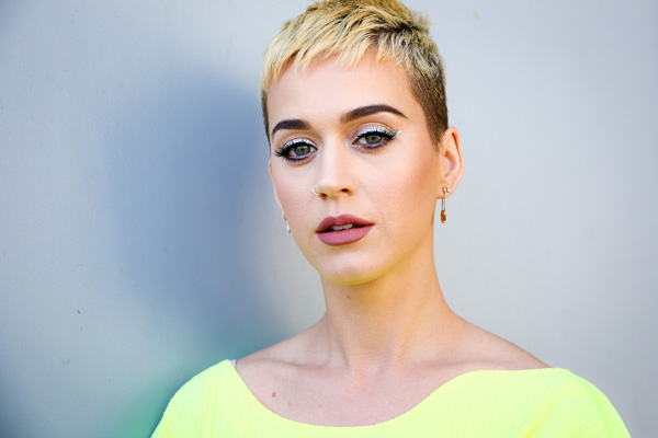 Katy Perry Says What is Fake?!