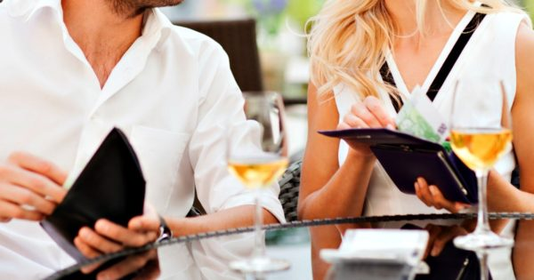 Women Want to Split the Bill on a First Date