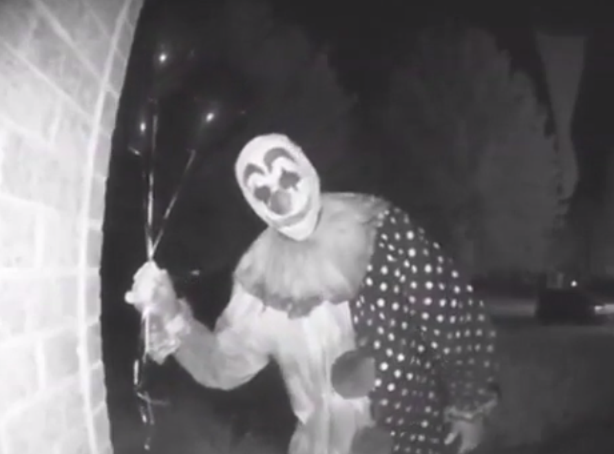 Green Bay Woman Records Terrifying Clown Creeping Around Her House With a Video Doorbell [VIDEO]