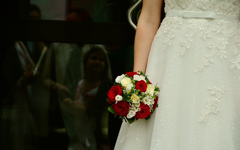 Woman Crashes Wedding to Spy on Boyfriend-Gets Beat Up by Bridesmaids