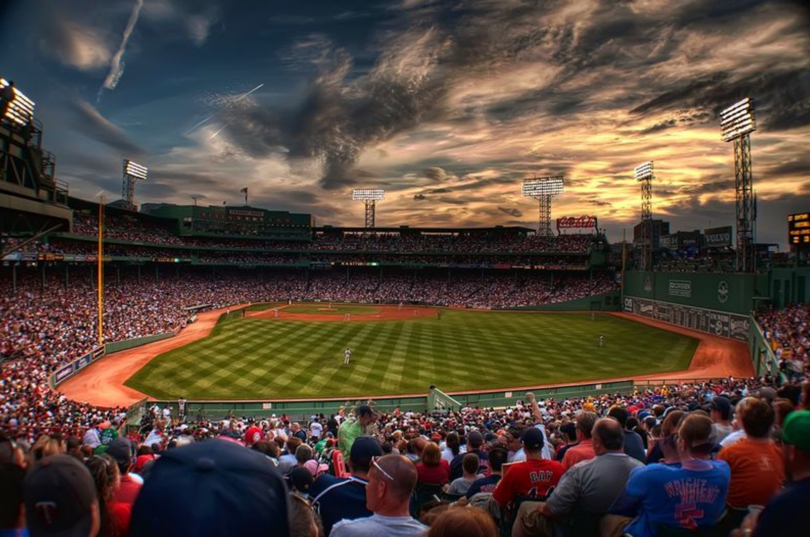 Las Vegas Gunman Researched Hotels Around Fenway Park and Booked Hotel Overlooking Lollapalooza in Chicago
