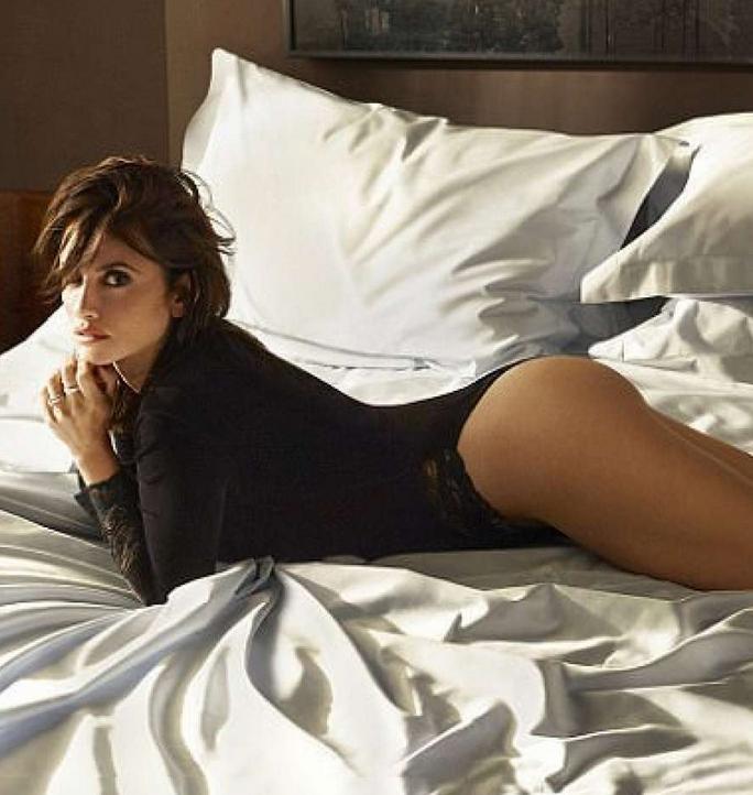 Penelope Cruz Smoking Bedroom Hot for ESQUIRE