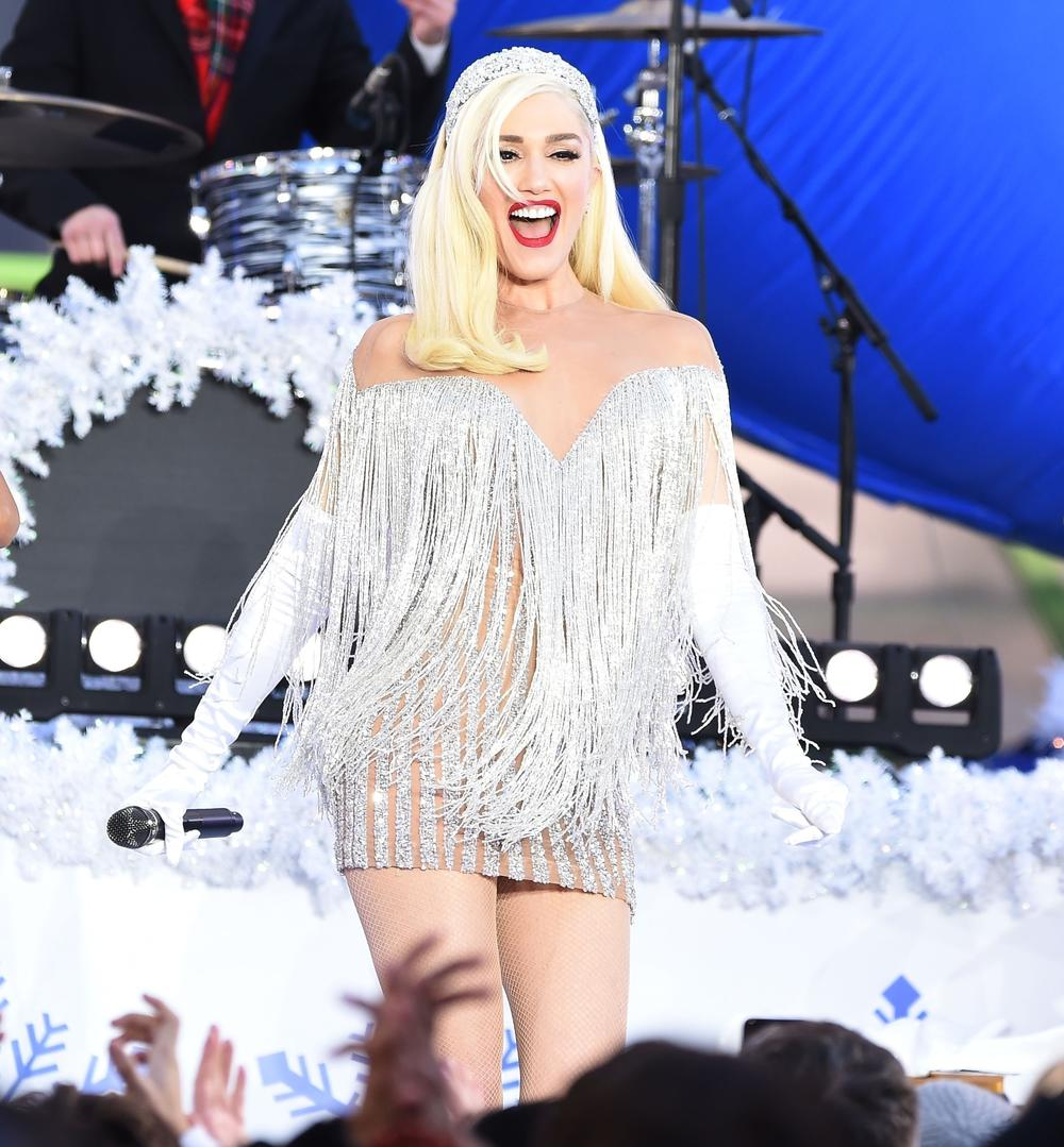 Gwen Stefani Looks Sexy Taping Her Thanksgiving Day Parade Performance