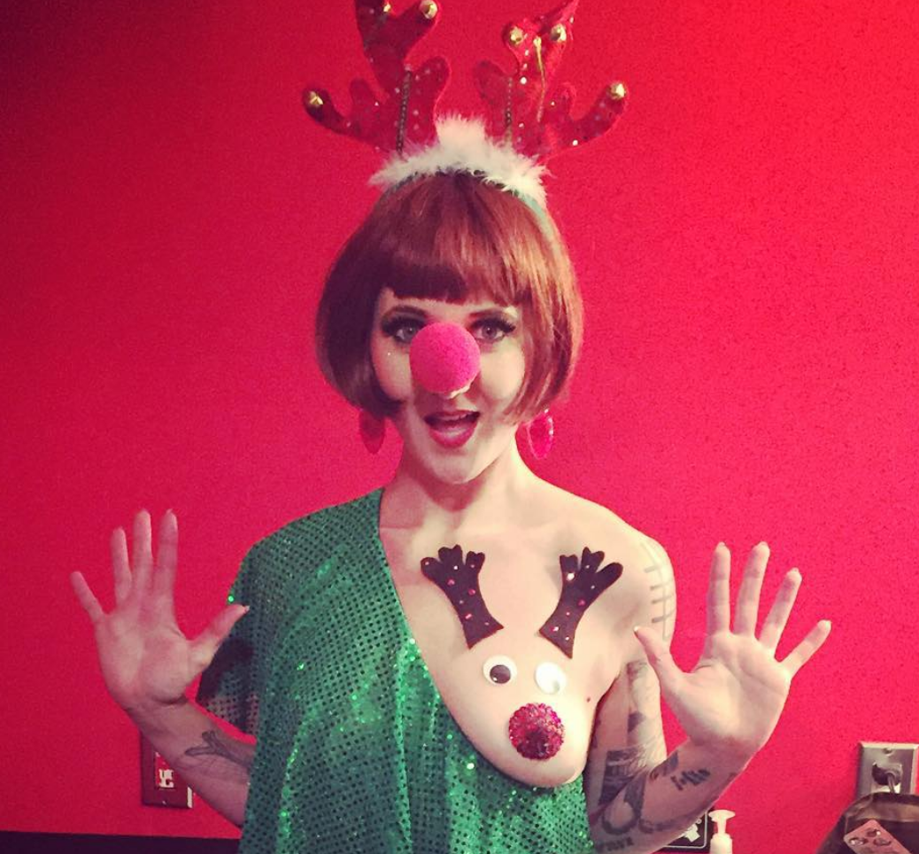 Women Are Decorating Their Boobs to Look like Reindeer [SFW PICS]