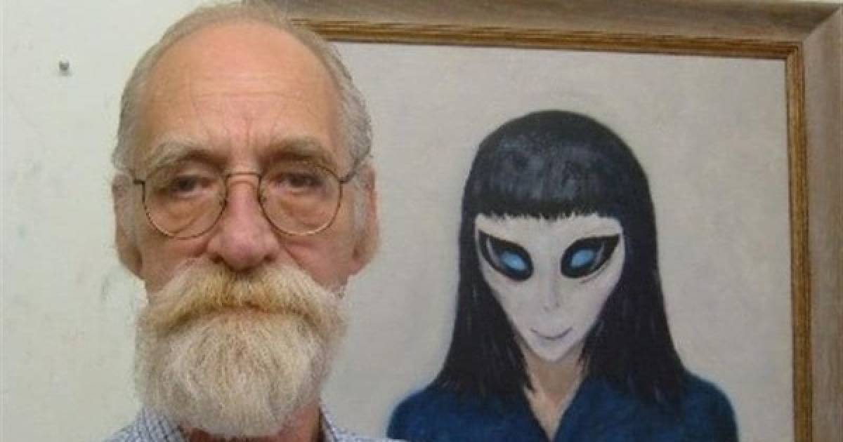 Man Says He Lost His Virginity To An Alien