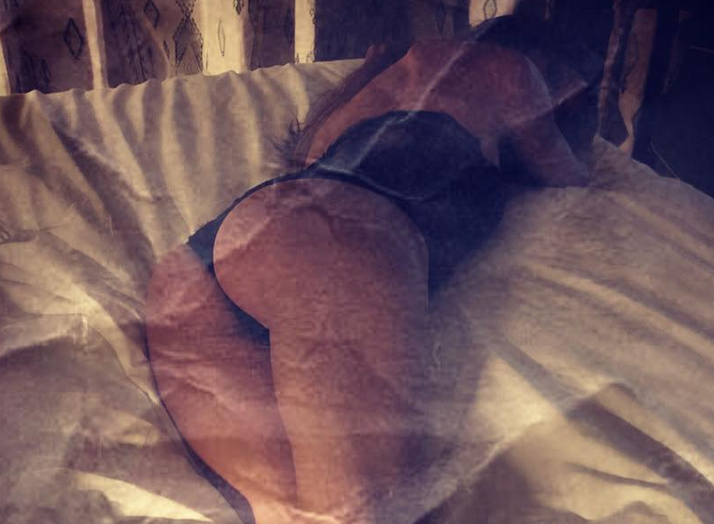 Heidi Klum Strips to Her Thong to Share Cheeky Snaps from Bed [SFW PICS]