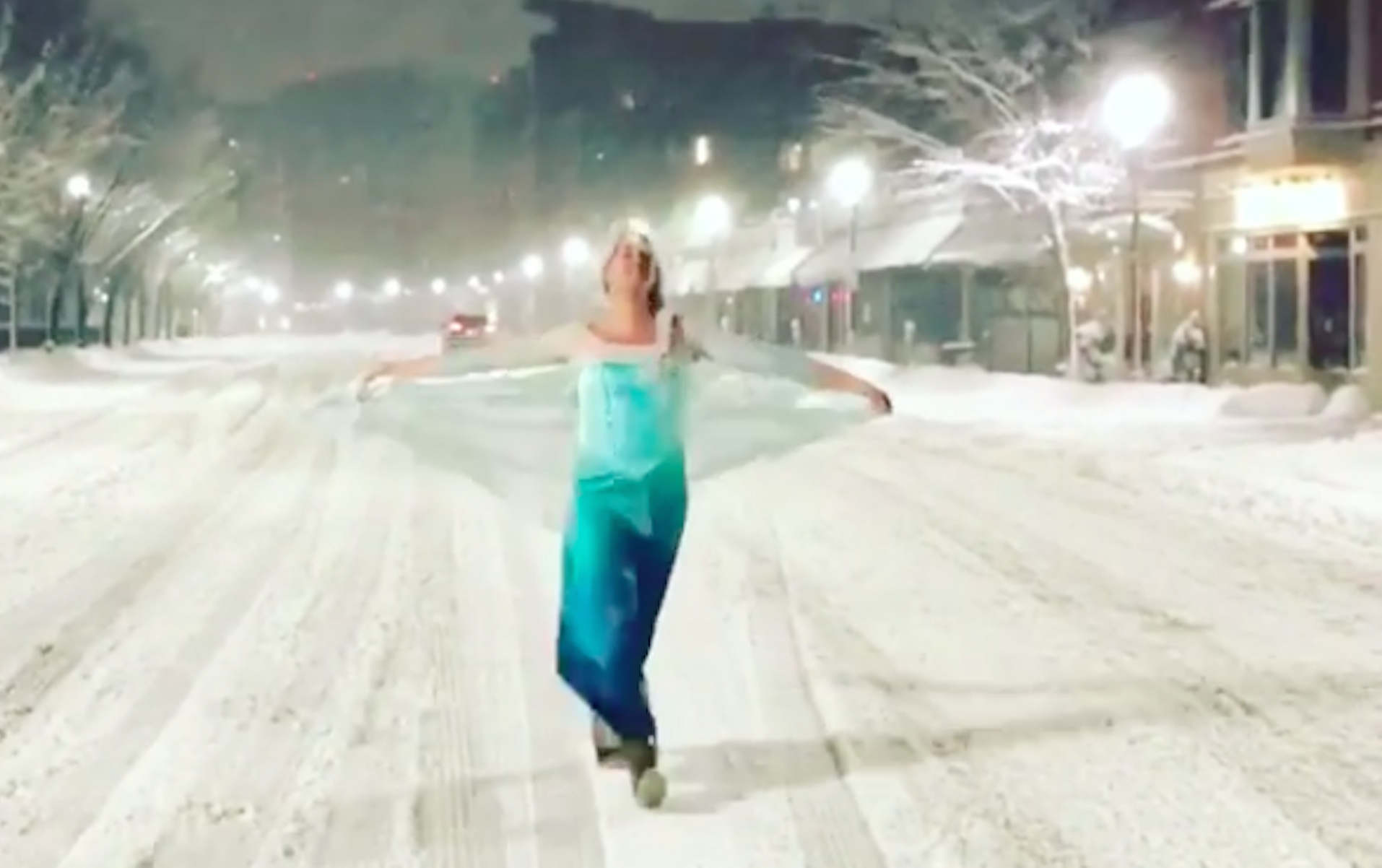 """""""Elsa""""  Helps Out Boston Police During Snow Storm"""