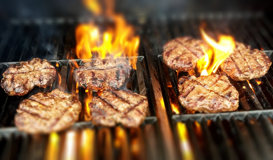 8 Mistakes You Make Grilling Burgers