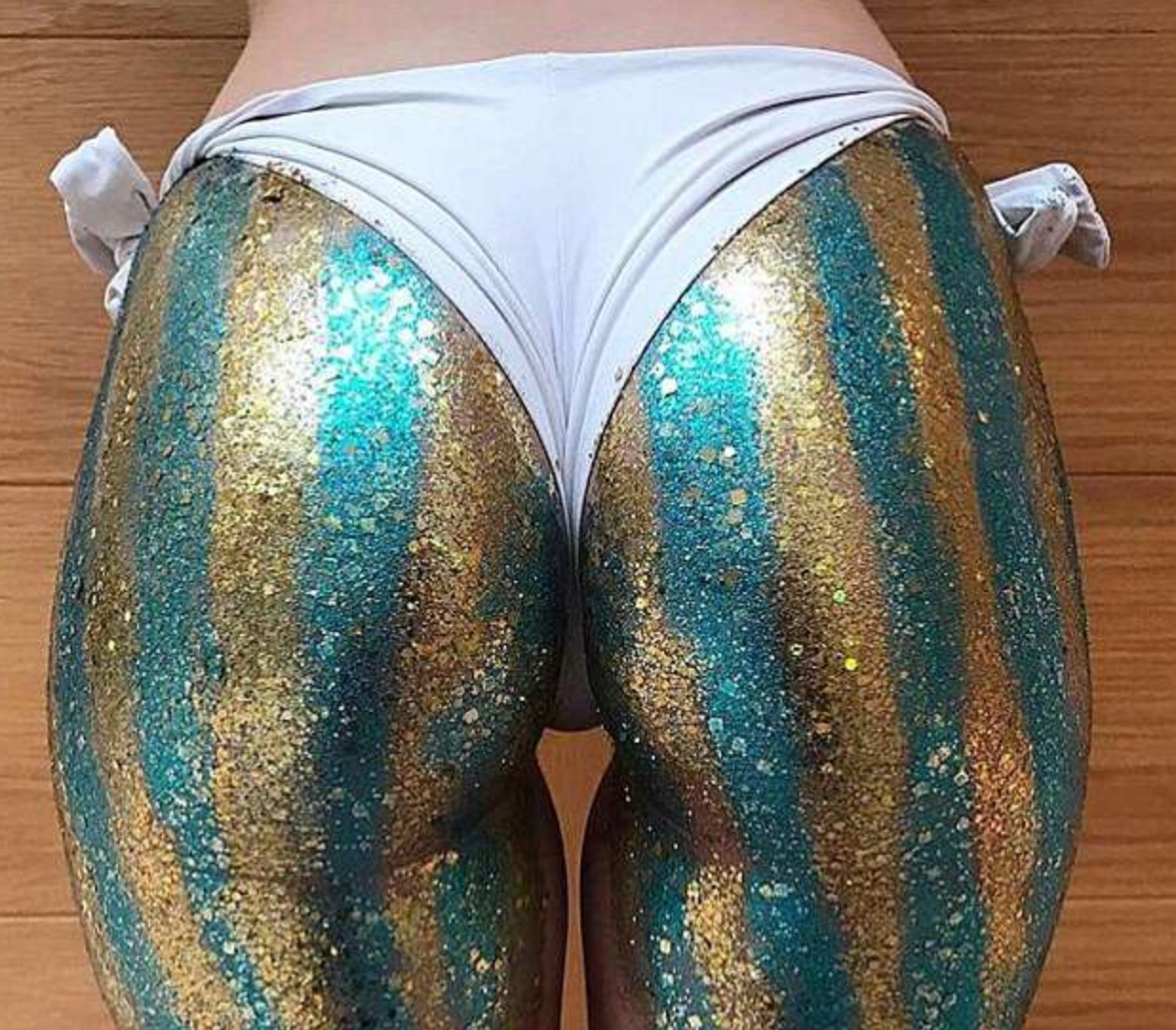 'Glitter Butts' Is Dubbed the Hottest New Trend for the Summer [SFW PICS]