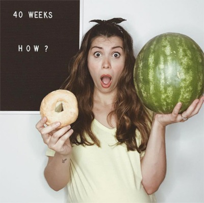 This Mom's Hilariously Honest Pregnancy Photos Are Going Viral