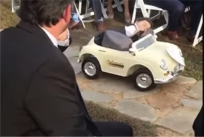 "A Wedding Video That'S Off The Charts For The ""Awww"" Factor"