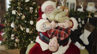 """A Mall Santa In Pennsylvania Is Asked To """"Tone It Down"""""""