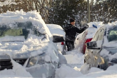 5 Things You Should Never Leave in a Cold Car