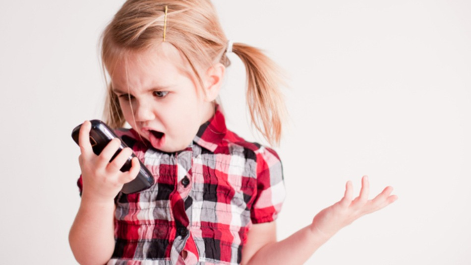 3 Out Of 4 Parents Admit To Snooping On Child's Smartphone