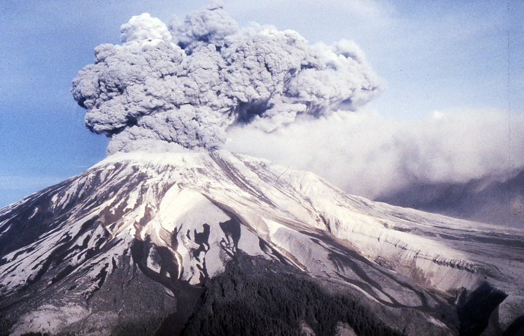 Pictures + Video from Mount St. Helens Erupting