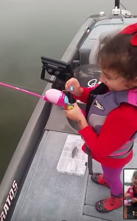 Sweet girl Catches Huge Bass with Barbie Fishing Pole