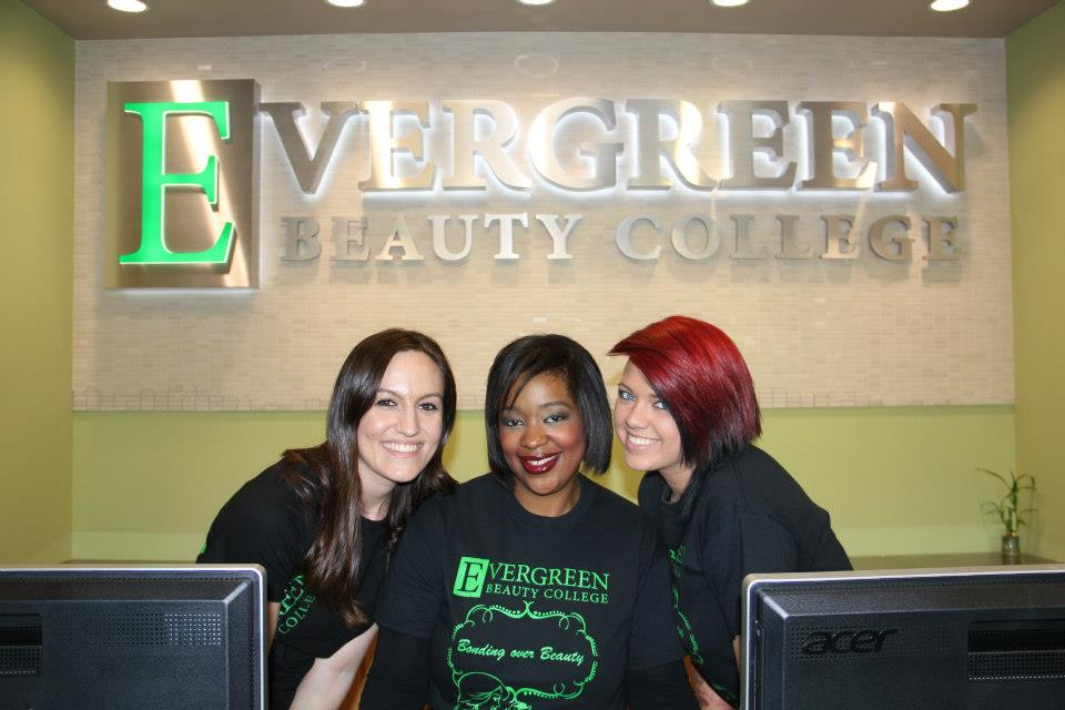 Top 5 Reasons to go to Cosmetology School This Year