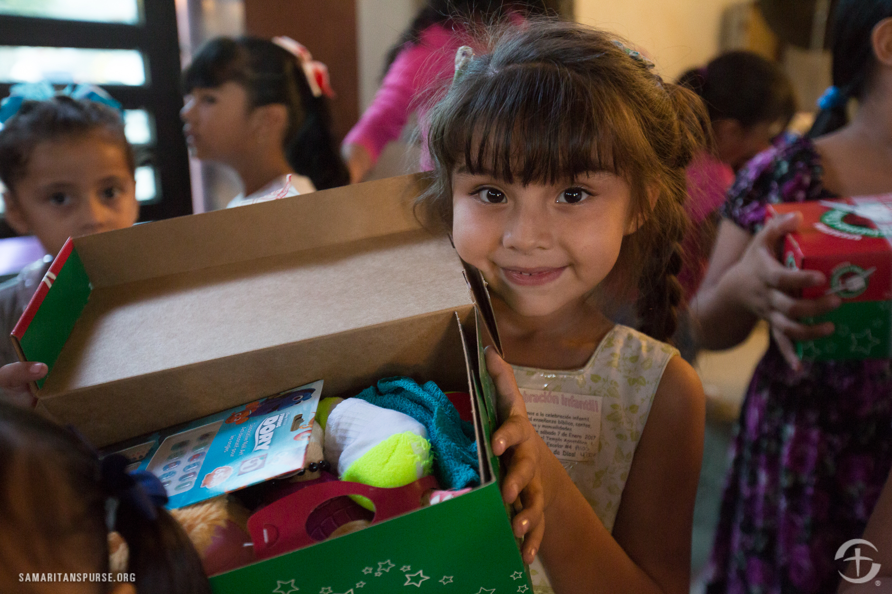 Operation Christmas Child – Shoebox Ideas, Tips & Drop off Locations