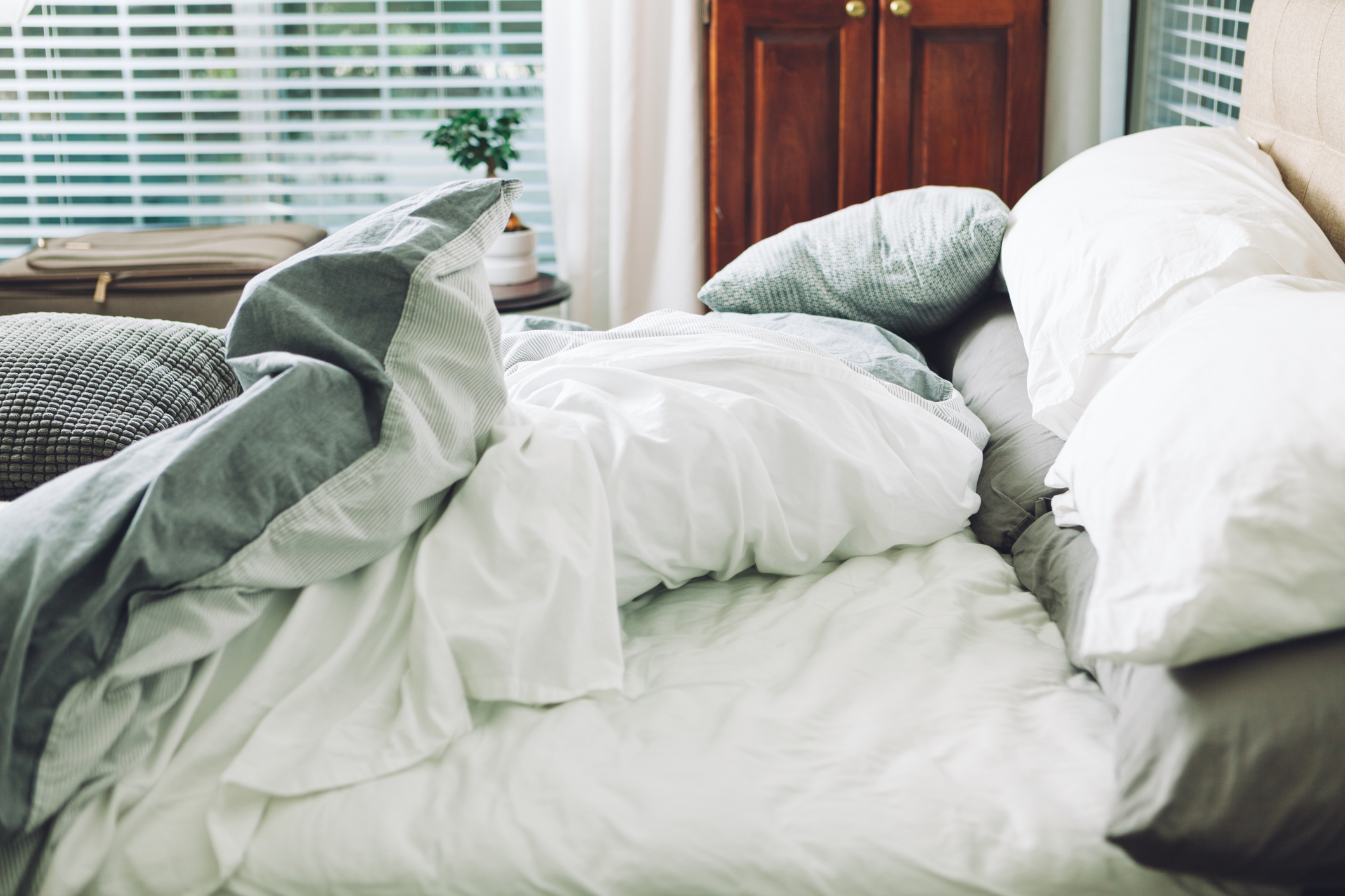 Three Reasons to Stop Making Your Bed Every Morning