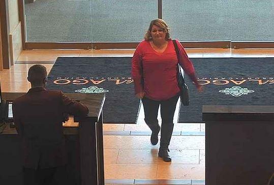 Deputies Seek Suspect In Credit Card Theft At del Lago