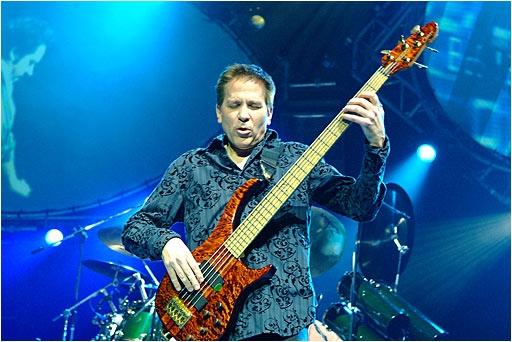 Toto Bassist Dies