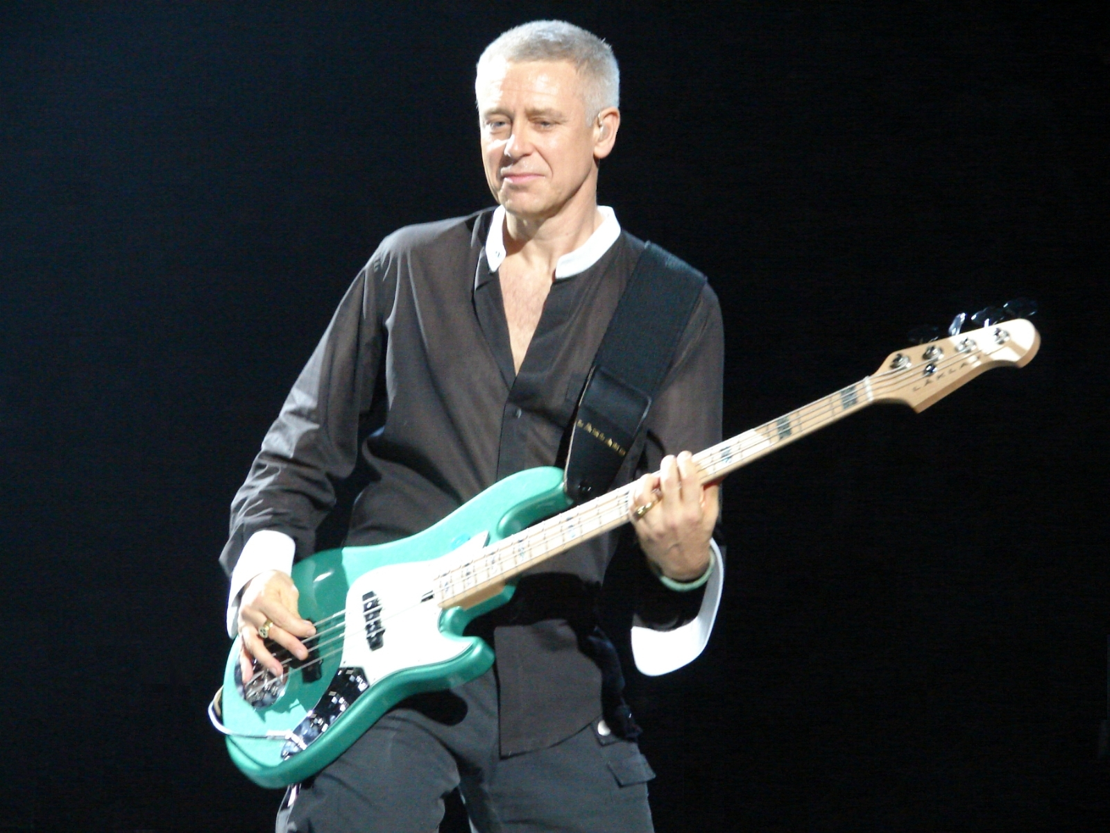 U2's Adam Clayton takes bass lessons AFTER 'Achtung Baby' Album