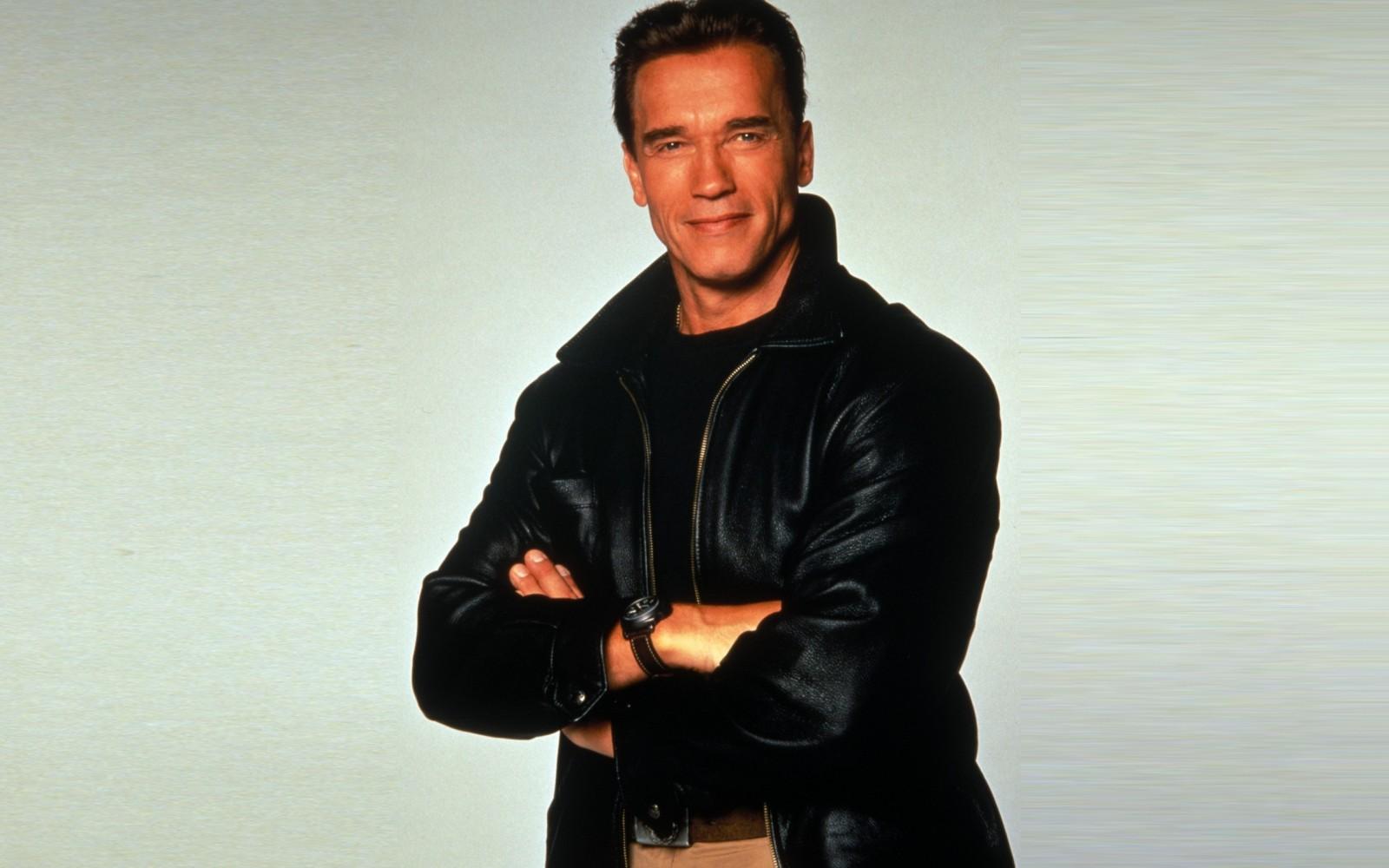 Arnold Schwarzenegger & Lucille Ball? Happy Birthday Arnold!!!