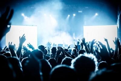 MUSIC FANS GET REFUND AFTER BELOW-PAR GIG