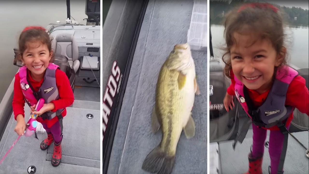 girl catches big bass with Barbie fishing rod *VIDEO*