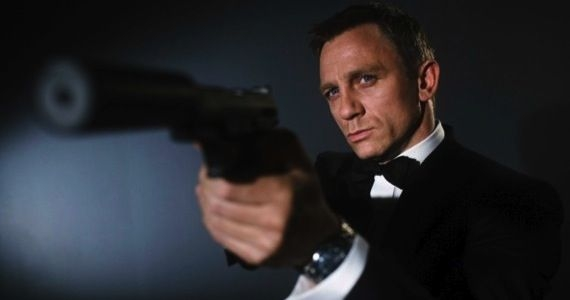 "Daniel Craig told to ""shut up""."