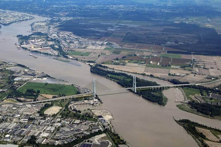 10-lane Toll Bridge To Replace Massey Tunnel