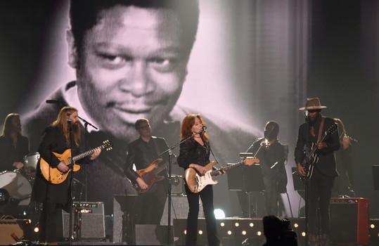 Tribute to B.B. King at 2016 Grammy Awards.