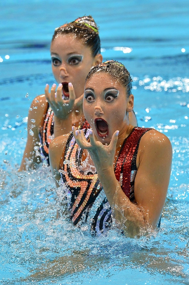15 times synchronized swimmers looked ridiculous.