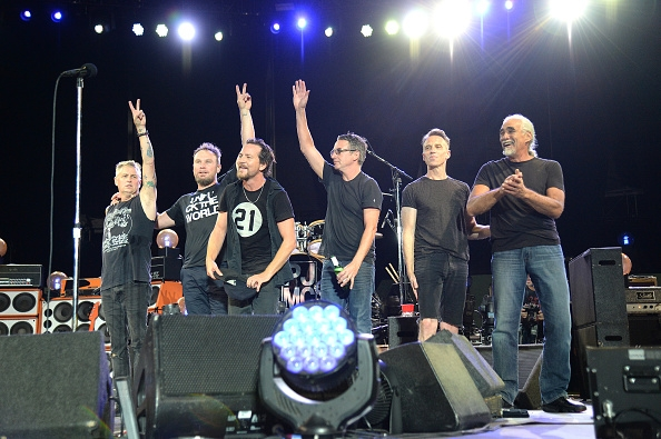 Pearl Jam donates t-shirt sales to Planned Parenthood