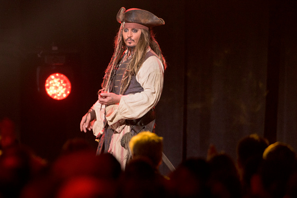 Johnny Depp goes to Disneyland dressed as Captain Jack Sparrow