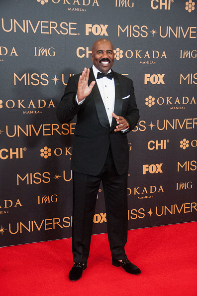 Steve Harvey gets blunt with staff