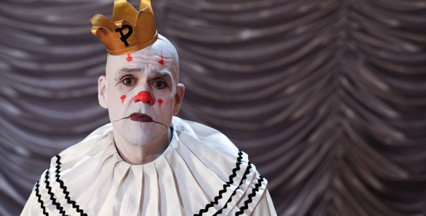 Depressed 7ft clown sings Pink Floyd's Wish You Were Here