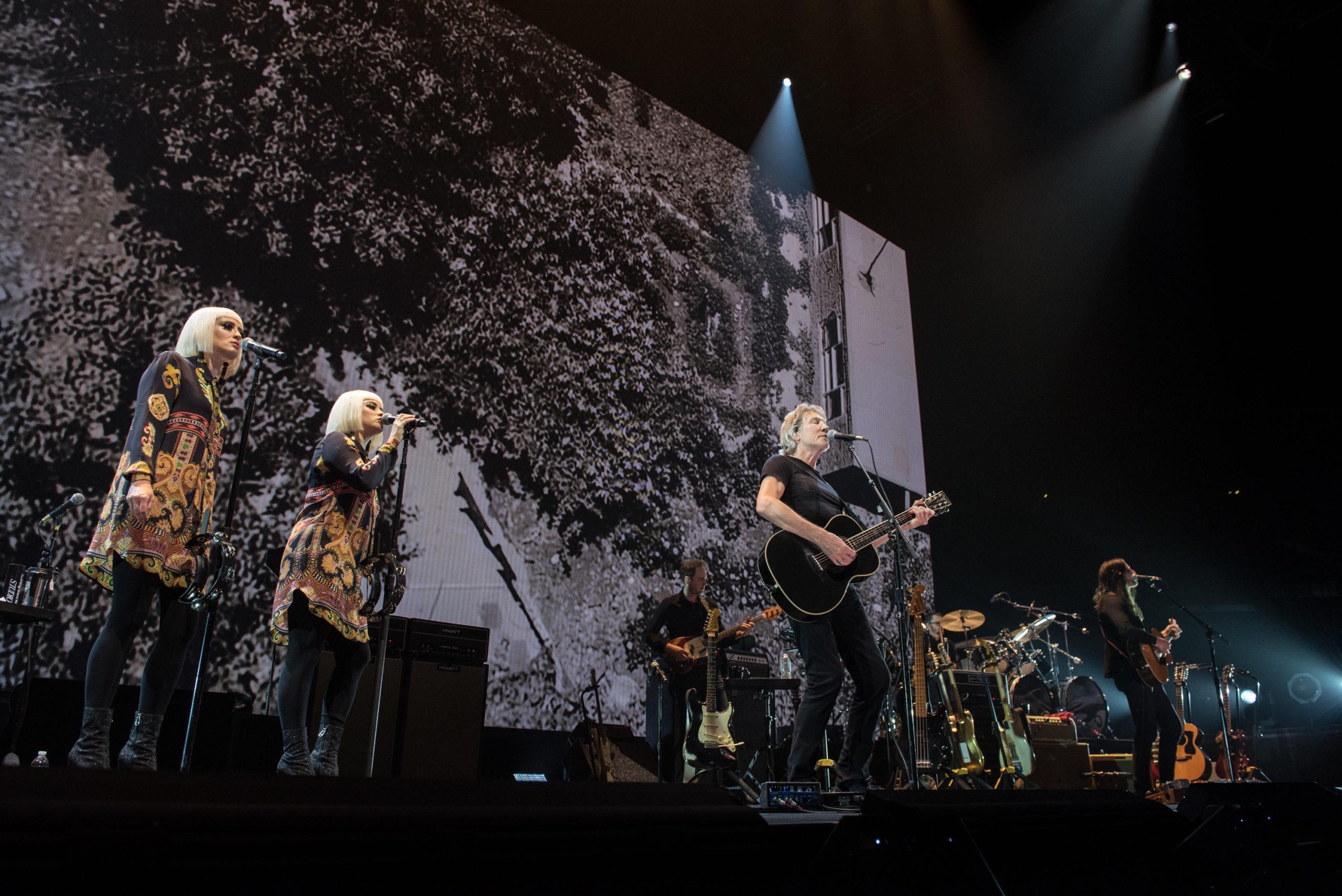 Roger Waters, Stevie Wonder, Eddie Vedder  take Knee in protest