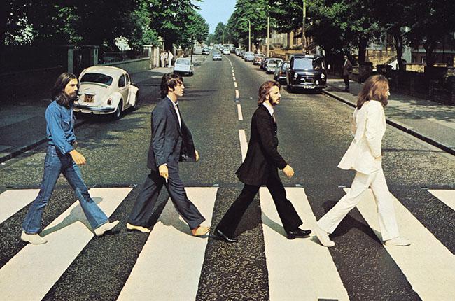 Beatles take top 2 spots for vinyl sales in 2017.