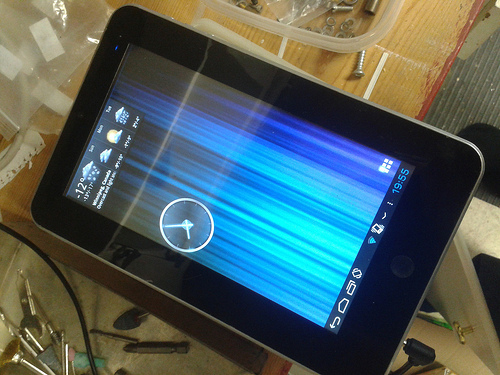 """Lost: A black 7"""" Android Tablet"""