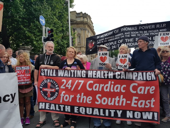 Hundreds turn out for Dail protest on cardio services in Waterford