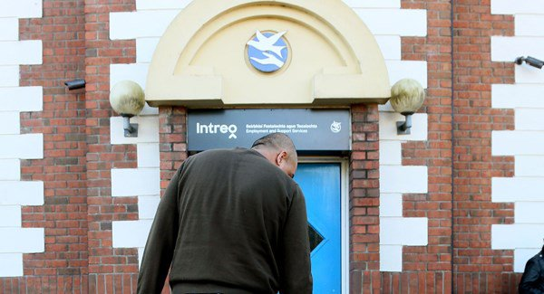 Almost 35,000 paying back social welfare over payments