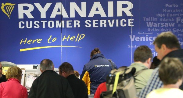 Ryanair pilots threaten Christmas disruption