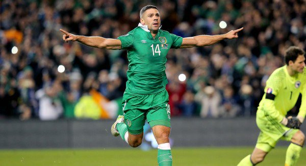 Jon Walters assures O'Neill he won't exit Ireland stage.