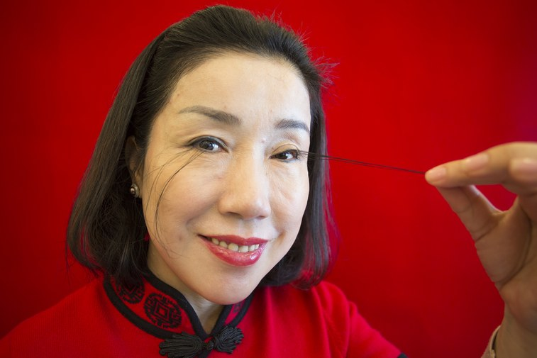 A Woman Breaks Record for Longest Eyelashes