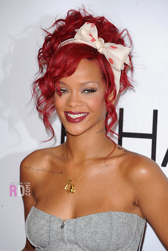 SnapChat Lost 600 Million Dollars Because Of a Careless Ad About Rihanna...