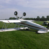No major injuries after plane crash in Oshkosh