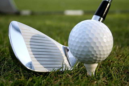 Mild temps give golfers chance for another round