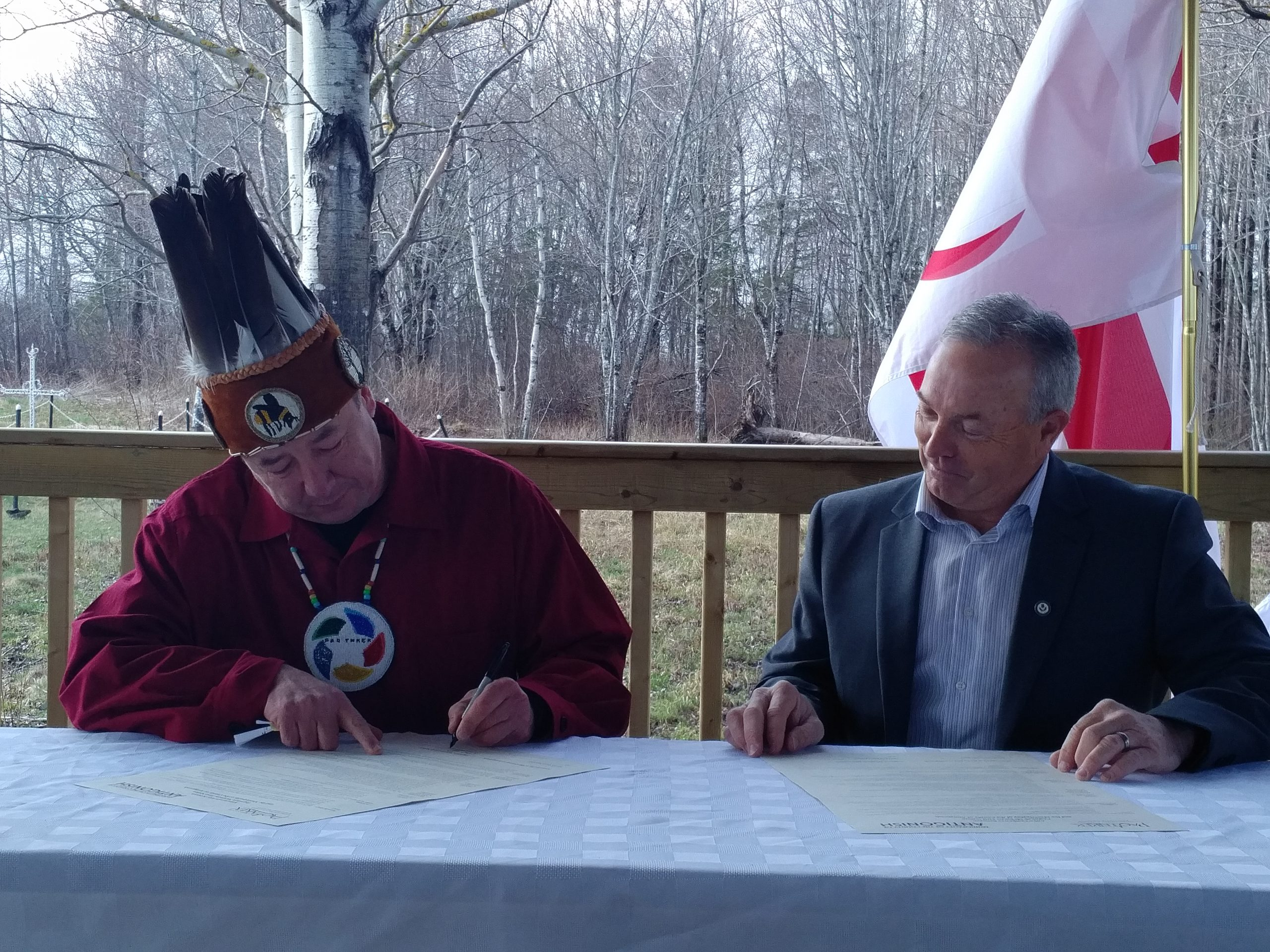 Paq'tnkek, Antigonish Co. officials formalize economic development agreement