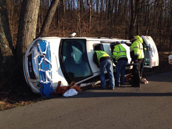 Three injured in Hadden Mill Road wreck